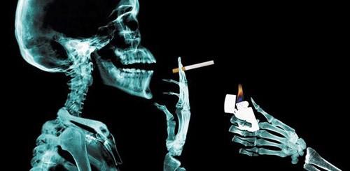 """Những """"tác hại của thuốc lá"""" liên quan đến bệnh đau dạ dày"""