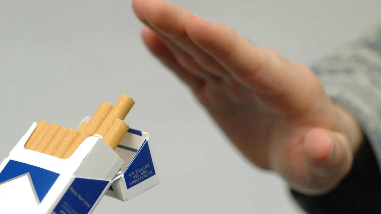 """Thống kê những con số """"khủng"""" liên quan đến thuốc lá"""